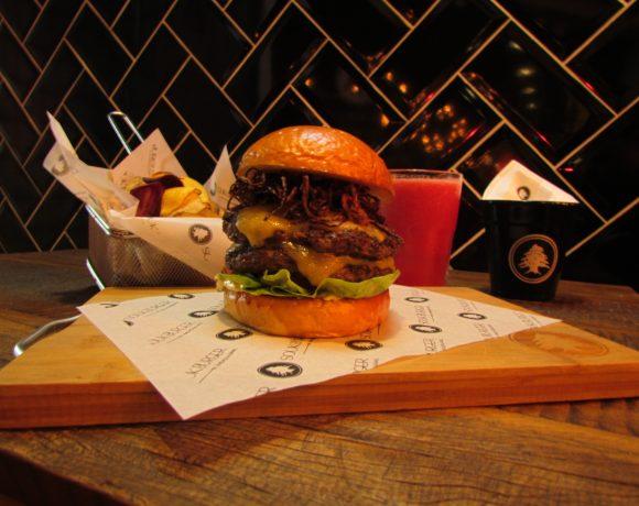 Sanduíche da hamburgueria Souk Burger