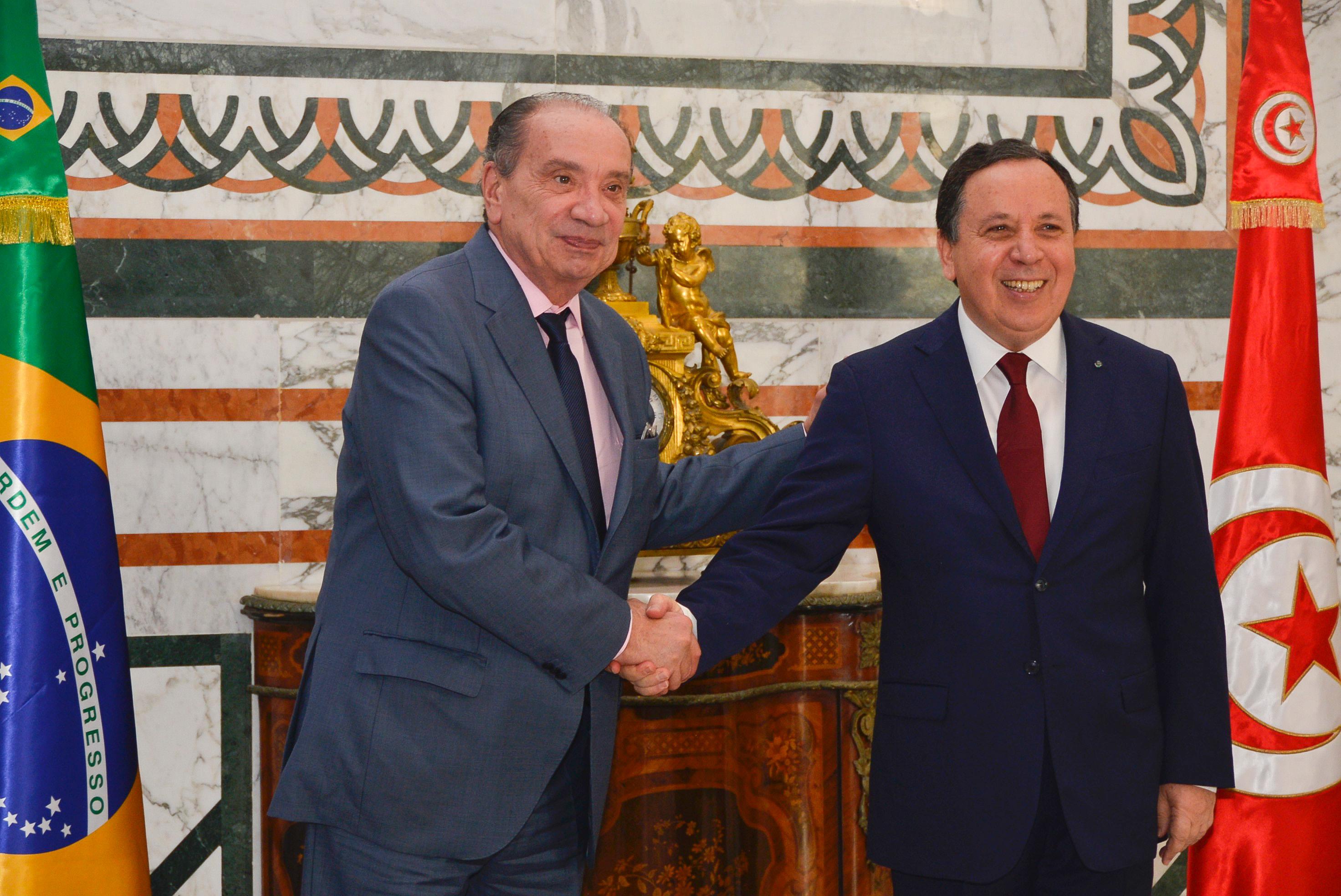 Aloysio Nunes (esq.) e Khemaies Jhinaoui, chanceler da Tunísia