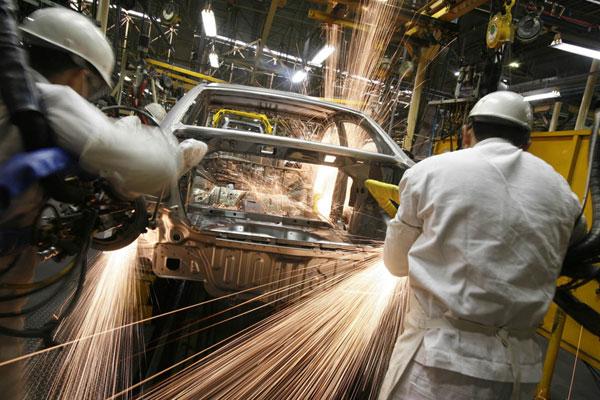 Resultado de imagem para Produção industrial varia -0,2% em julho, mostra IBGE