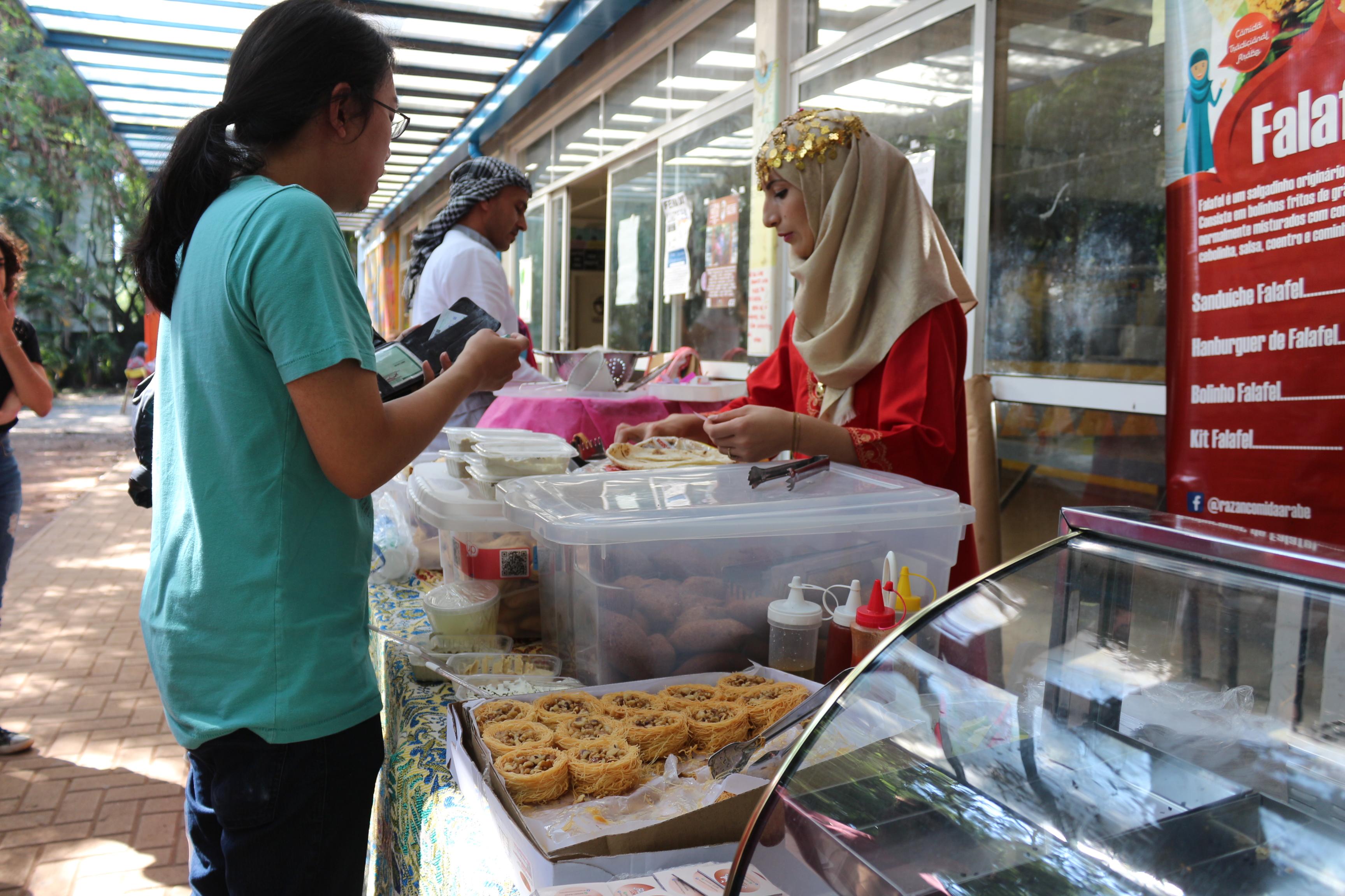 Produtos sírios vendidos na Feira dos Refugiados da FEA-USP do ano passado
