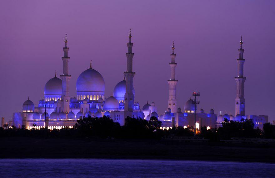 Vista da mesquita Sheikh Zayed, em Abu Dhabi
