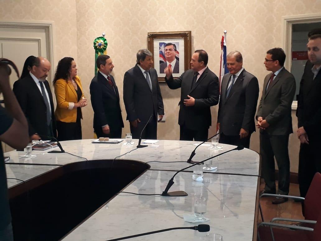 Embaixadores em reunião com o vice-governador do Maranhão e secretários