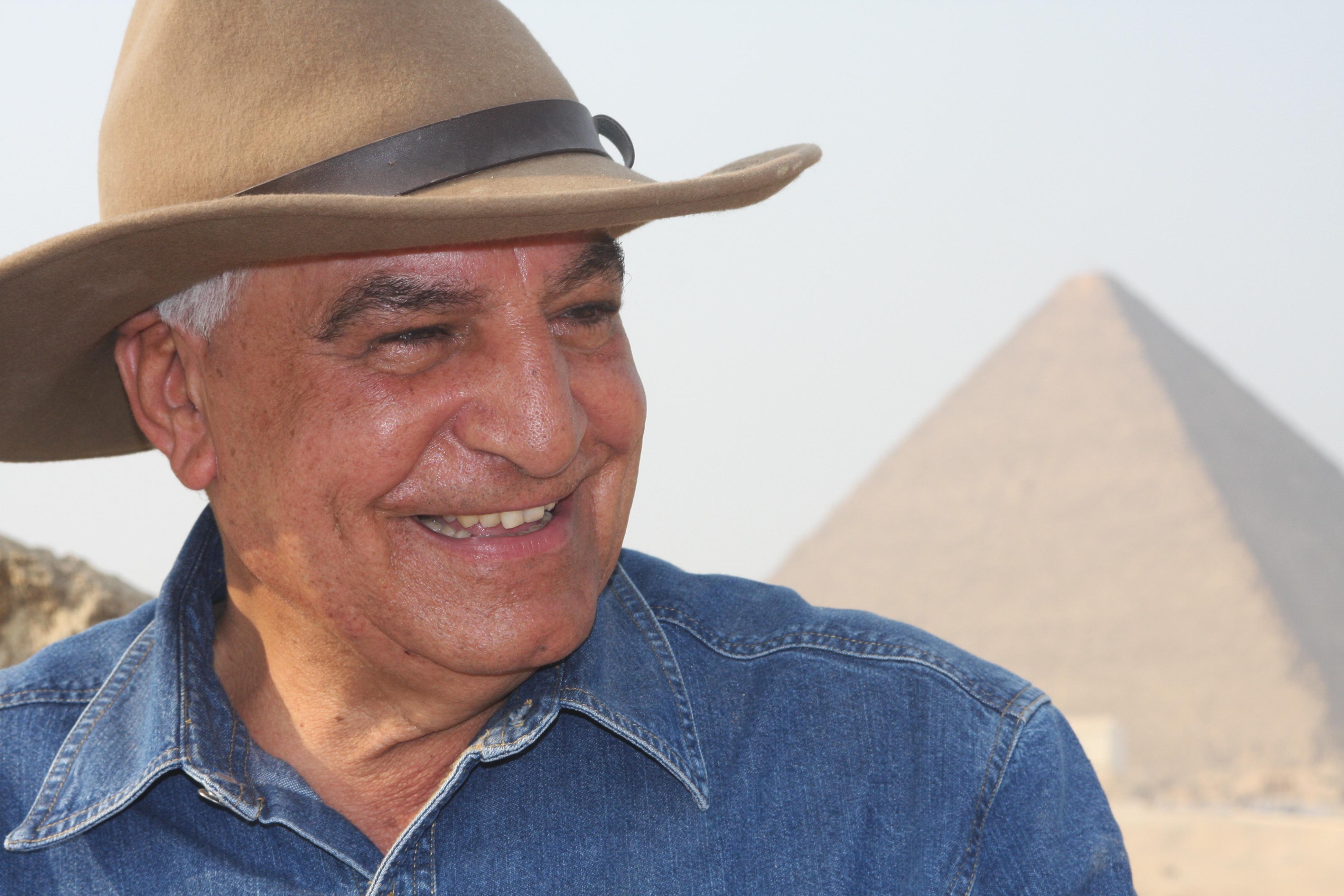 O arqueólogo Zahi Hawass