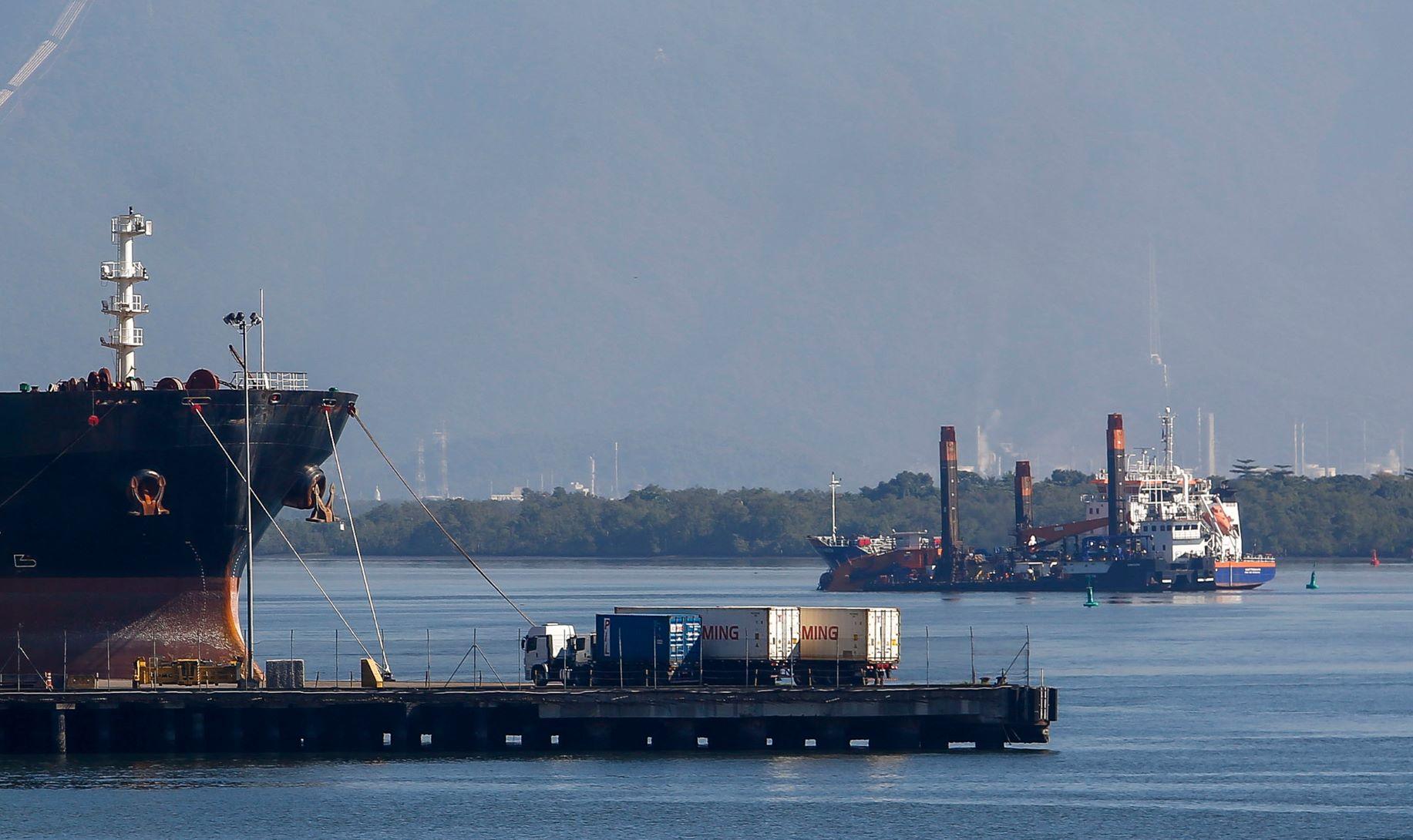 Movimentação no Porto de Santos. Balança tem superávit