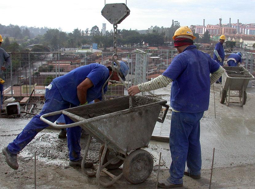 Scanmetal fabrica equipamentos para obras