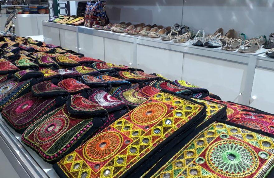 Artesanato exposto no Shopping Paulista
