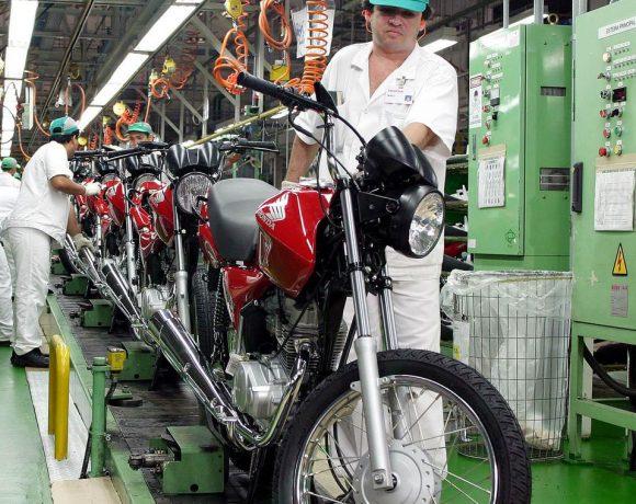 Linha de montagem de motocicletas da Honda