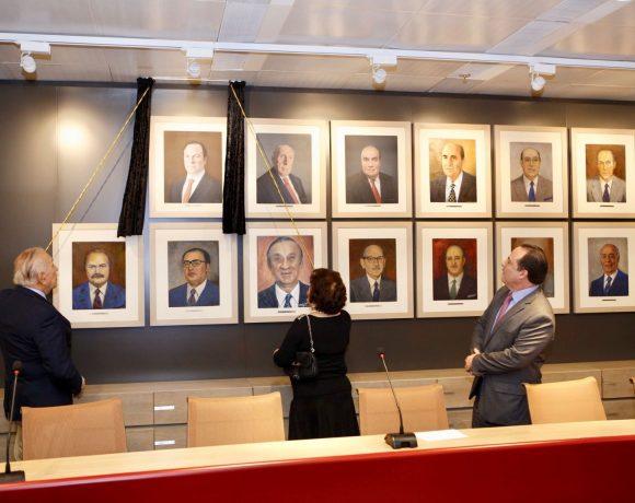 Yazigi (esq.), Arlete e Sallum inaguram quadro na Câmara Árabe