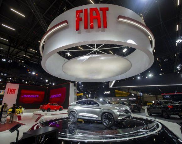 Estande da Fiat no Salão do Automóvel: venda de veículos está em alta