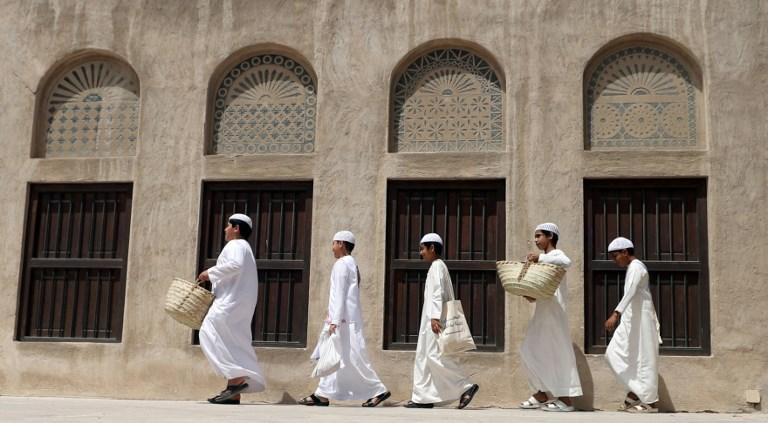 Homens são maioria da população dos Emirados