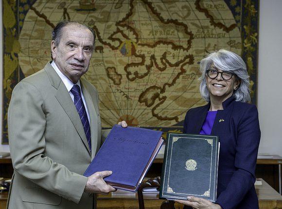 Aloysio Nunes e Hafsa Al Ulama firmaram tratado contra bitributação