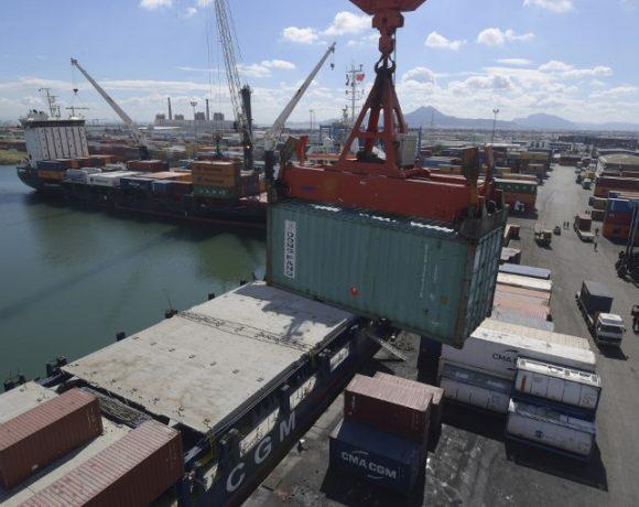 Porto de Rades, na Tunísia. Unctad observou aquecimento do transporte marítimo