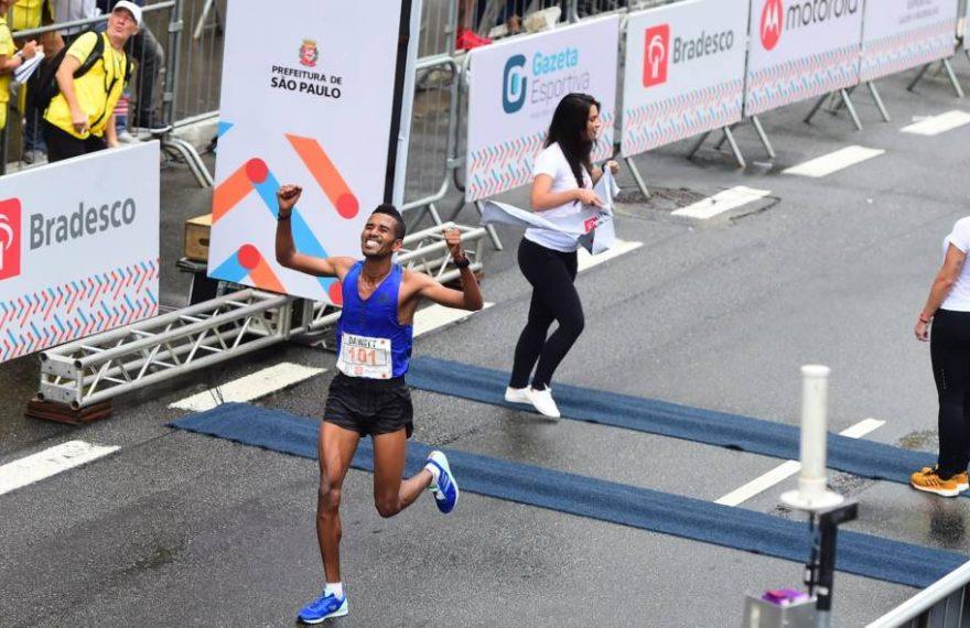 O corredor bicampeão da Corrida Internacional de São Silvestre, o etíope naturalizado barenita Dawitt Admasu