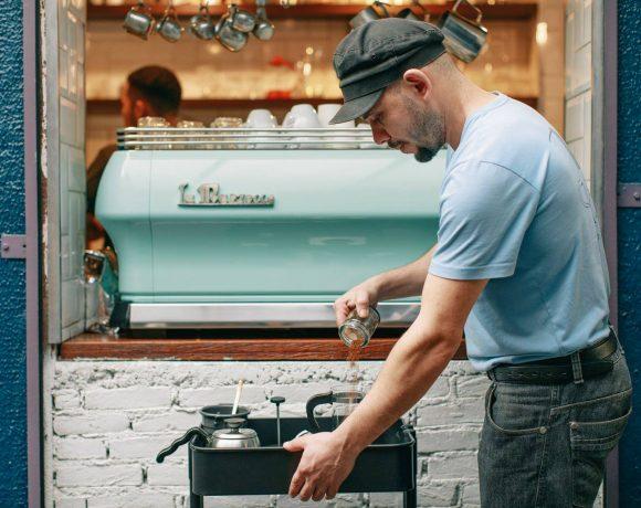 O Fazedores é idealizado e desenvolvido pelo Sofá Café – rede de cafeterias paulistana.