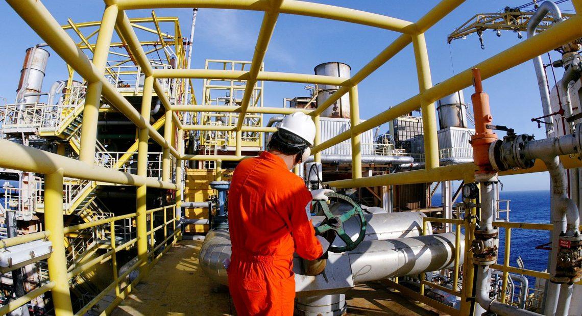 Produção de petróleo e gás na P-37