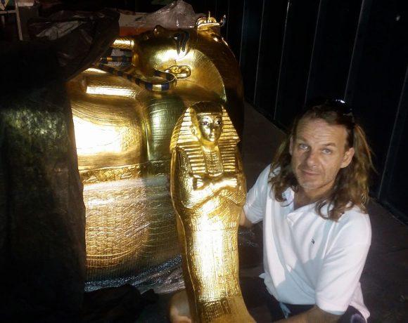 Através dos artefatos, Musa conta mais sobre os detalhes que lhe fascinam.
