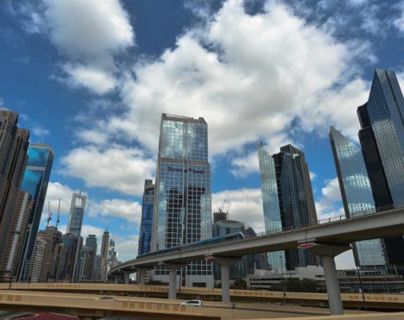 Dubai é o principal destino global para investimento estrangeiro direto (IED) no setor de inteligência artificial e robótica.