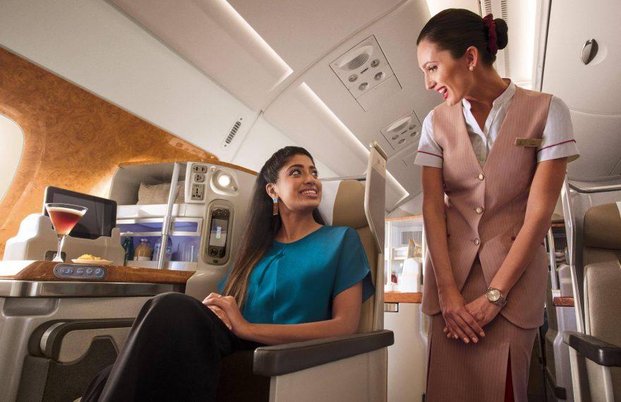 A companhia aérea Emirates vai selecionar candidatos a comissários de bordo em São Paulo, capital.