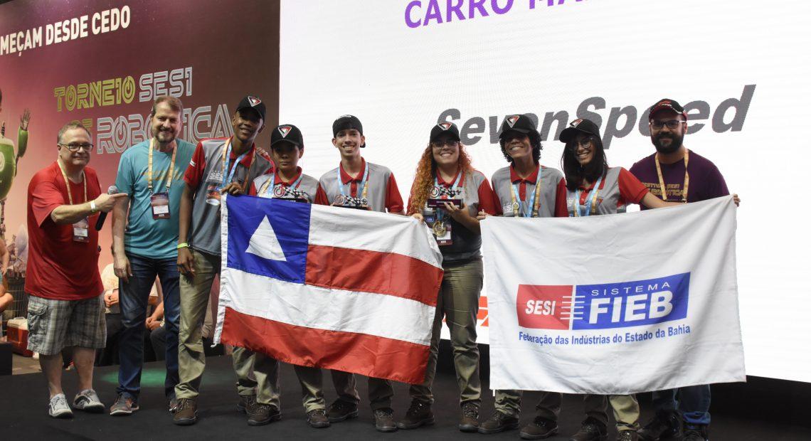Os alunos estudaram por três meses, incluindo o período de férias, para chegar ao protótipo que venceu o campeonato nacional.