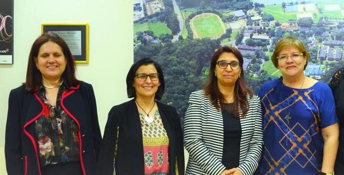 Representantes de universidades da Tunísia com a reitora da UFSCar, Wanda Hoffmann (dir.)