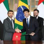 Nahyan (esq.) e Antônio (dir.) firmaram acordo na área de turismo