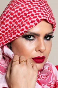 Bisneta de libaneses traz olhos marcados como raiz árabe para makes