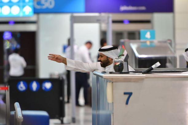'Green Card': funcionário da imigração no Aeroporto de Dubai