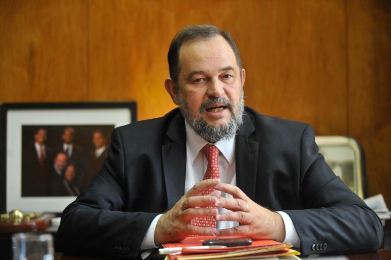 O embaixador Paulo Cordeiro em foto de