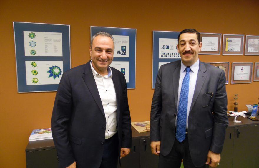 Muhsen Zalloum (esq.) e Raed Bayed, empresários palestinos