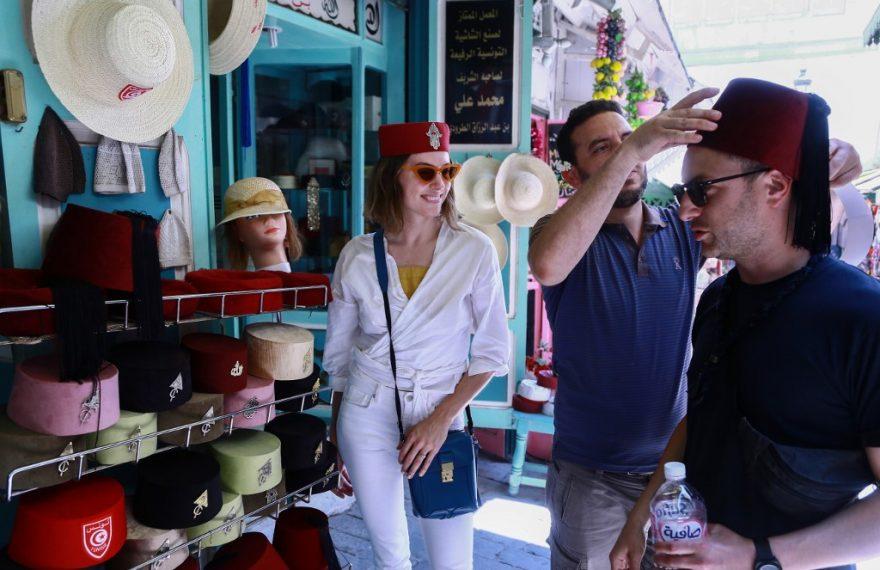 Turistas em Túnis, na Tunísia