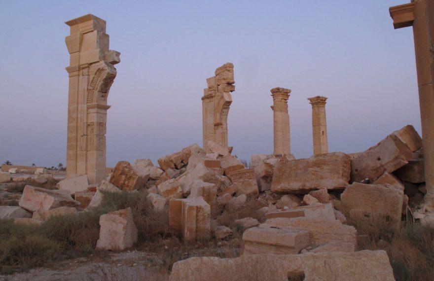 Área de Palmira, na Síria, dinamitada por grupo armado