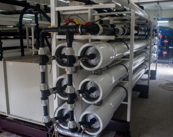 Exemplo de usina de dessalinização de água na Ilha de Bora Bora, na Polinésia Francesa