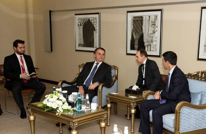 Bolsonaro se reuniu com o presidente do grupo Goldman, Sachs & Co, John Waldron, em Riad, na Arábia Saudita