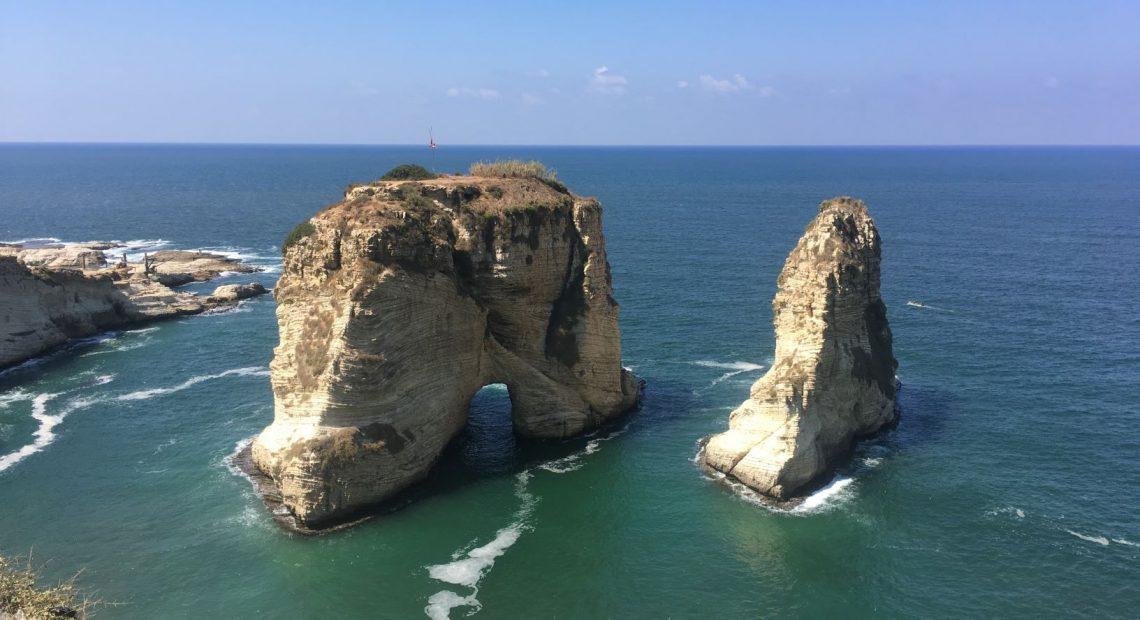 Rochedos Raouche são cartão postal de Beirute