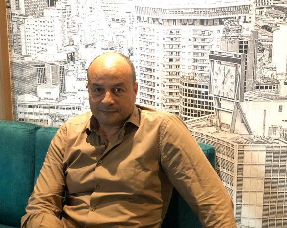 O diretort de cinema Lofti Achour