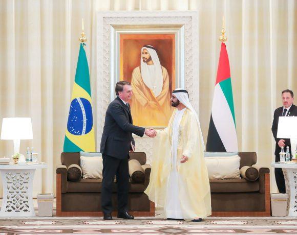 Jair Bolsonaro com o emir de Dubai e vice-presidente dos Emirados, Mohammed Bin Rashid Al Maktoum