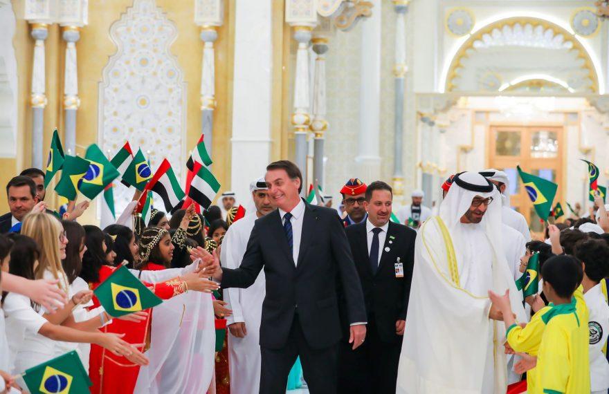 Bolsonaro, do Brasil, e Mohammed Bin Zayed Al Nahyan, dos Emirados
