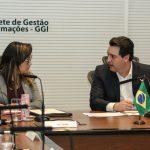 Diretora do Annual Investment Meeting conversa com o governador do Paraná