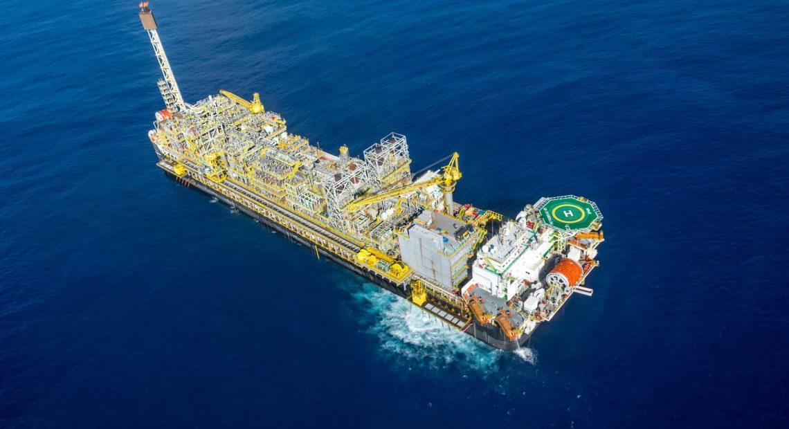 Plataforma P-69: produção de petróleo e gás no Brasil foi recorde em agosto