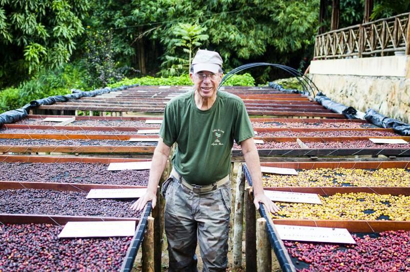 Francisco Uchôa, que produz xafé na floresta no Ceará