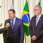 Hamilton Mourão e Rubens Hannun, na Câmara Árabe