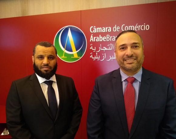 Obad Alzahrani (esq.), da Arábia Saudita, e Tamer Mansour, da Câmara Árabe