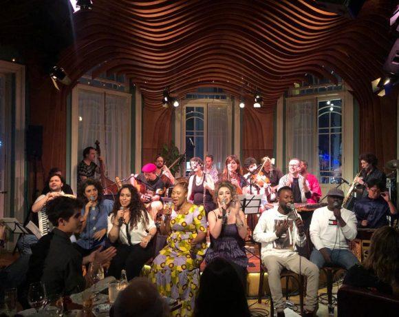 Orquestra Mundana Refugi faz primeiro show do ano
