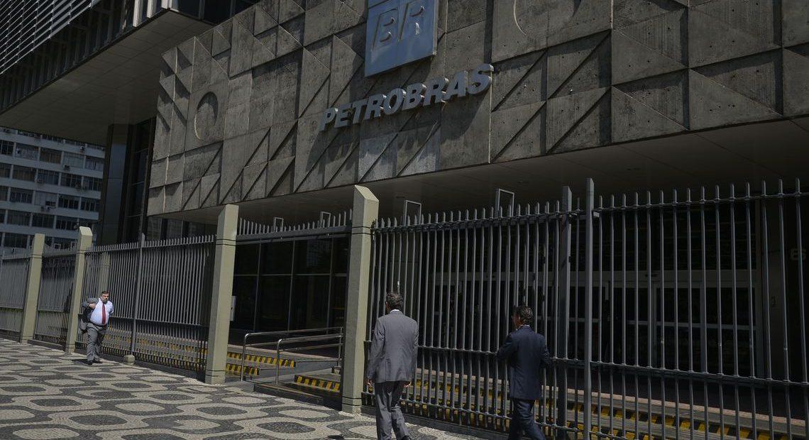 Petrobras anuncia redução dos preços dos combustíveis