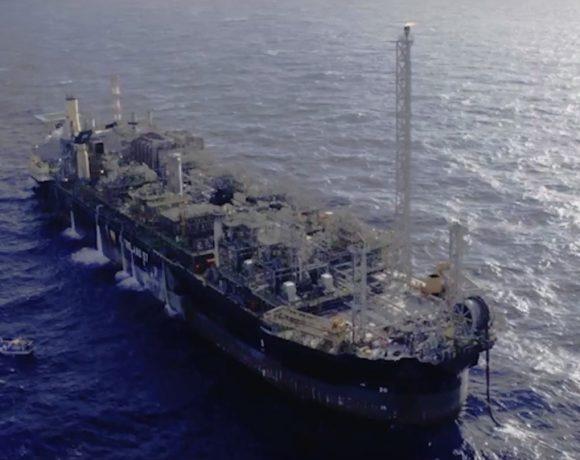 Petrobras vai evitar temporariamente o Estreito de Ormuz